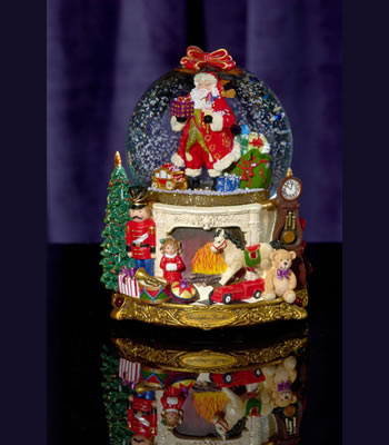 Regal Santa 100mm, Snow Globe
